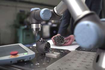 Universal Robots Launches Light Weight Table Top Robot