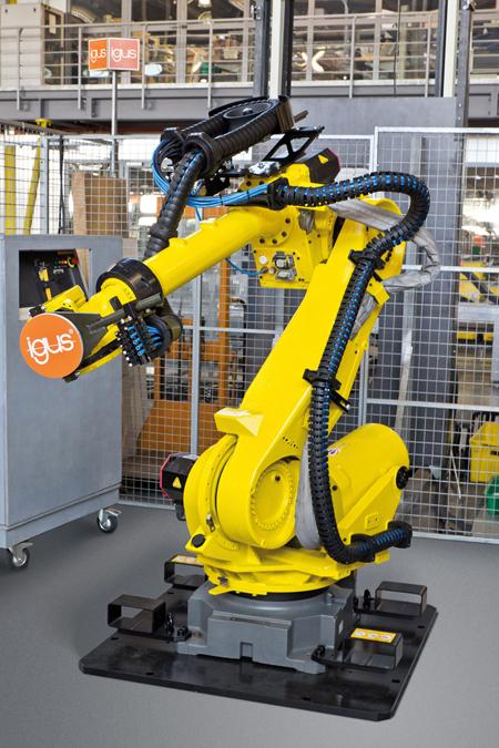 Igus Triflex Rs Dresspack For Multi Axis Industrial Robots