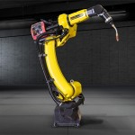 Fanuc robot welds large pieces in small spaces