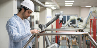 Food industry trends: robot-assisted workflows