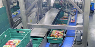 Robotic packer at the 'core' of apple producer's automation