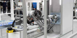 Mobile cobot resolves redeployment challenge